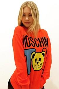 Gigi Hadid pour Moschino