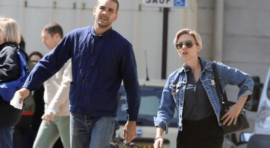Scarlett Johansson pop up store Paris