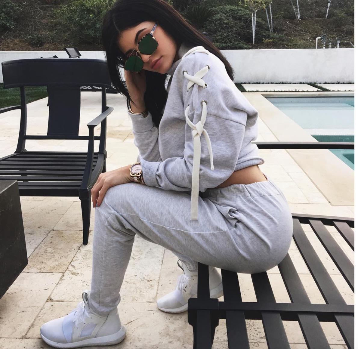 Salle De Bain Beige Meuble Taupe ~ Kylie Jenner Se Fait Faire Une Salle De Bain Colo Livealike