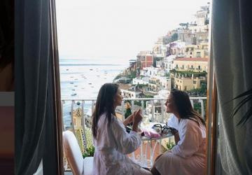 vacances en italie destination Emily Ratajkowski